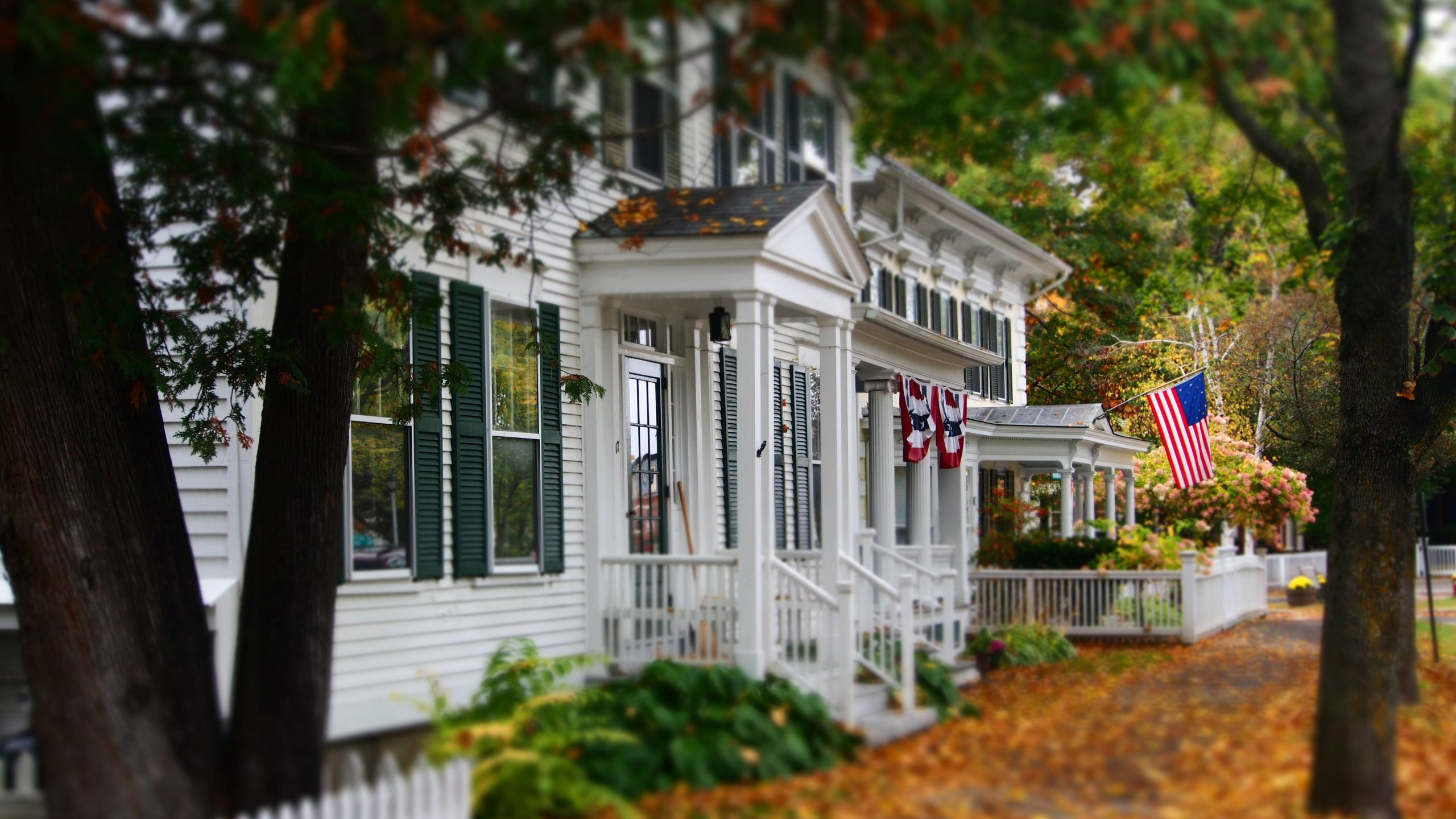 New Law Limits HOA Rules On Flags & Signs
